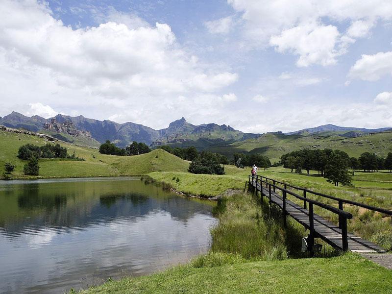 Golfing Drakensberg
